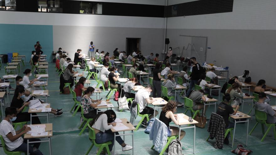 Ebau Julio 2021, con 806 alumnos convocados y con aulas en el HUCA para los contagiados