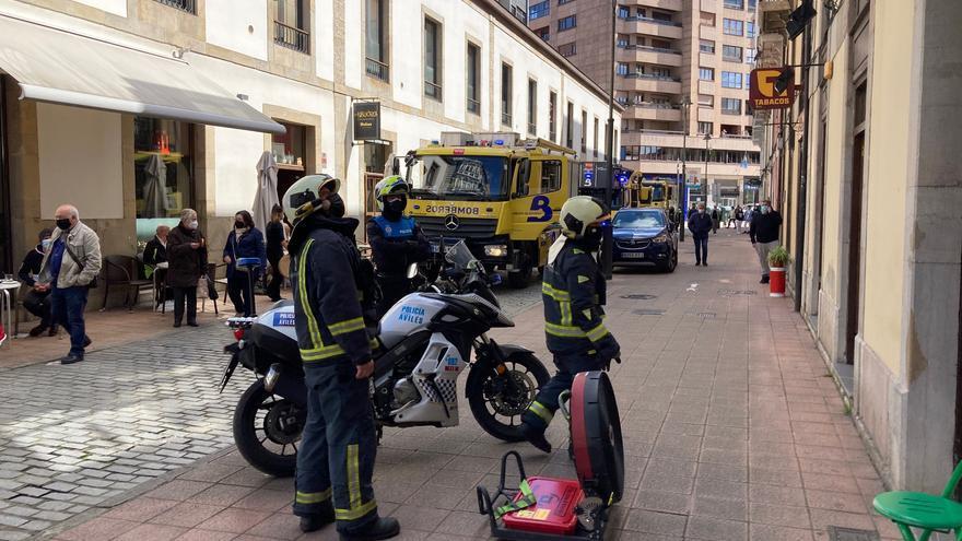 Un conato de incendio en la calle Ruiz Gómez obliga a intervenir a los bomberos