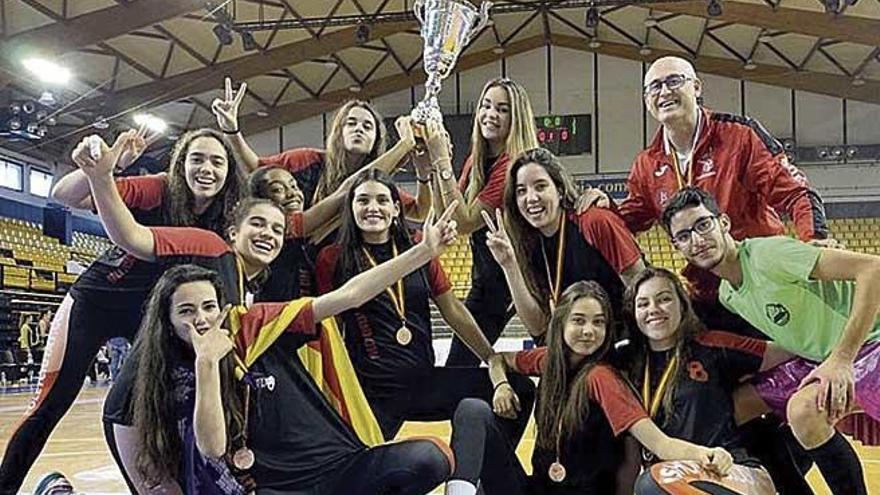 El BOU Café Cide, tercero en la Superliga