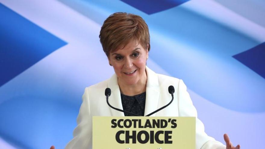 Escocia intensifica la demanda de un referéndum