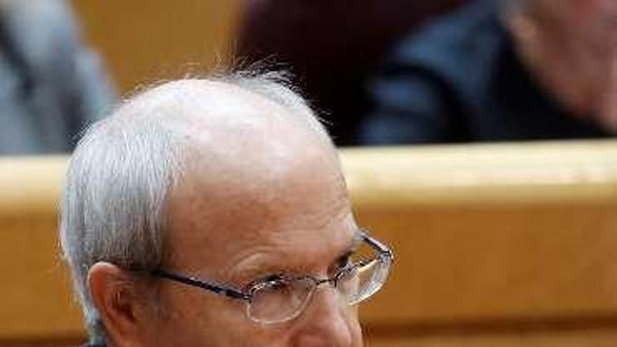 José Montilla, contra el secesionismo y la aplicación del 155, se ausenta para no votar