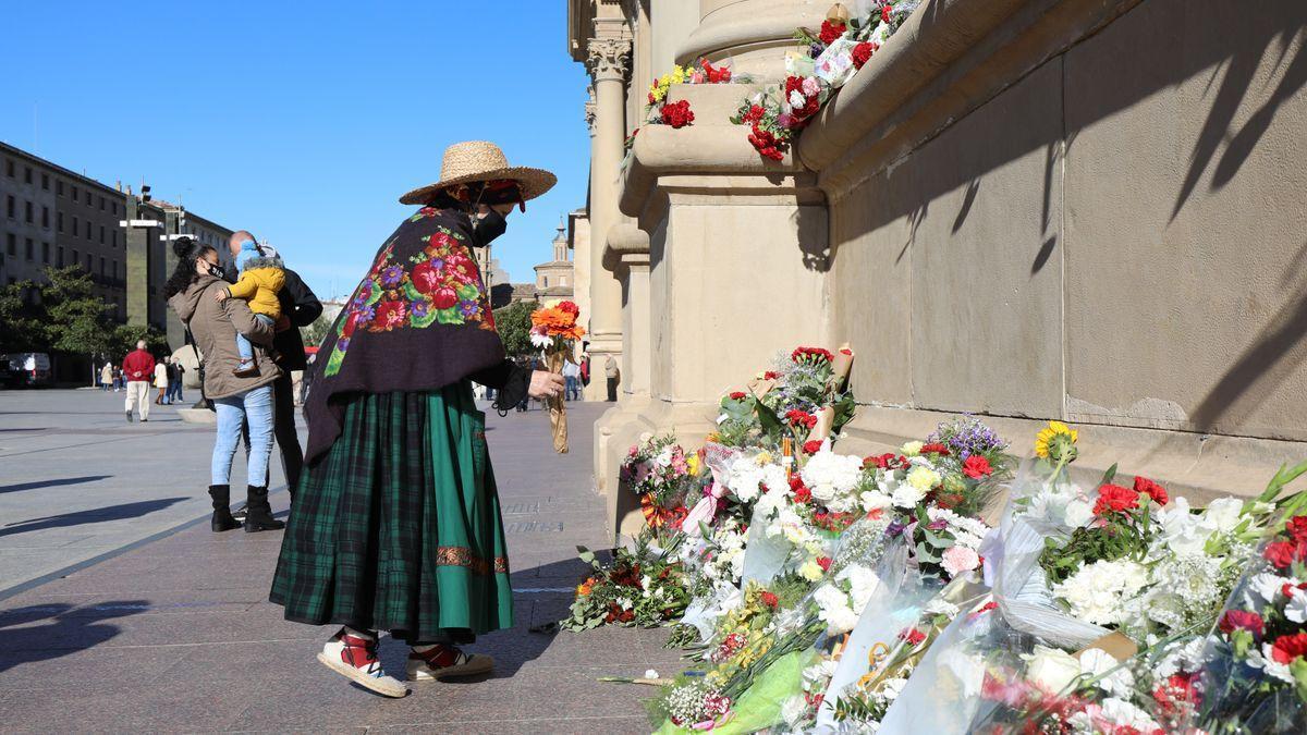 Imagen de la Ofrenda de flores improvisada que se organizó el año pasado.