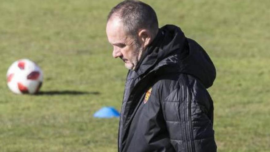 El Zaragoza recupera a Vázquez y aterriza con siete bajas