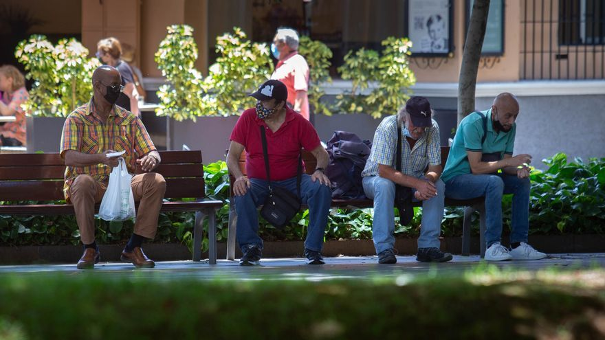 Vuelven a subir los contagios de Covid este domingo en Canarias