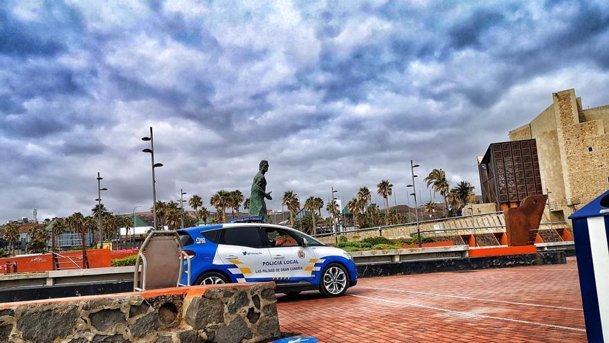 Detienen a una pareja con un bebé por agredir a varios agentes en Las Palmas de Gran Canaria