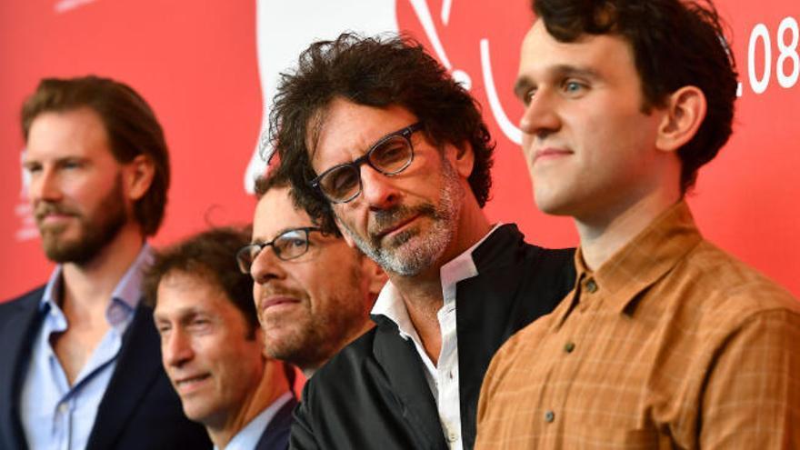 """Los Coen compiten en Venecia con su """"icónica idea de un western"""""""
