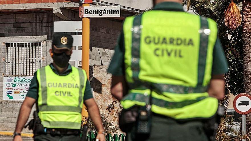 """Vecinos de Benigànim: """"Nos disgusta que nos vuelvan a confinar, pero es necesario"""""""
