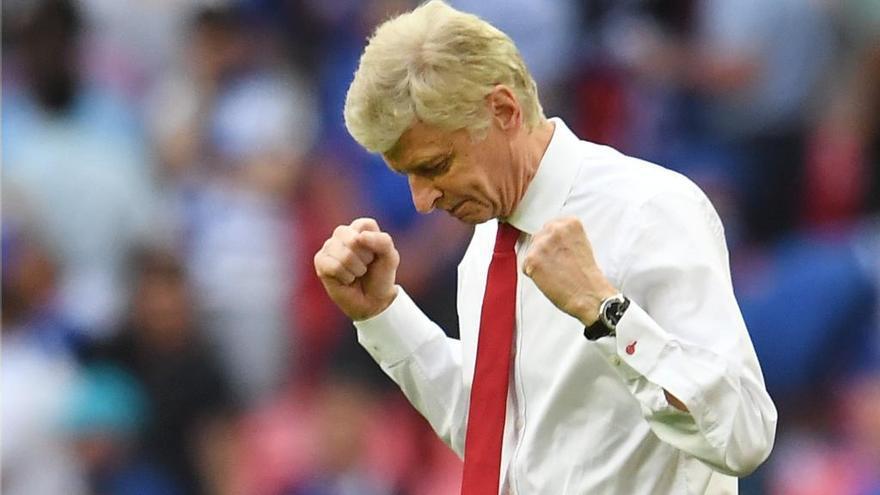 Arsene Wenger renueva con el Arsenal por dos temporadas más