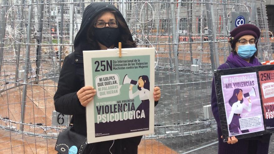 """El Movimiento Feminista denuncia que la violencia machista aumenta en la pandemia: """"Las mujeres están día y noche con sus agresores"""""""