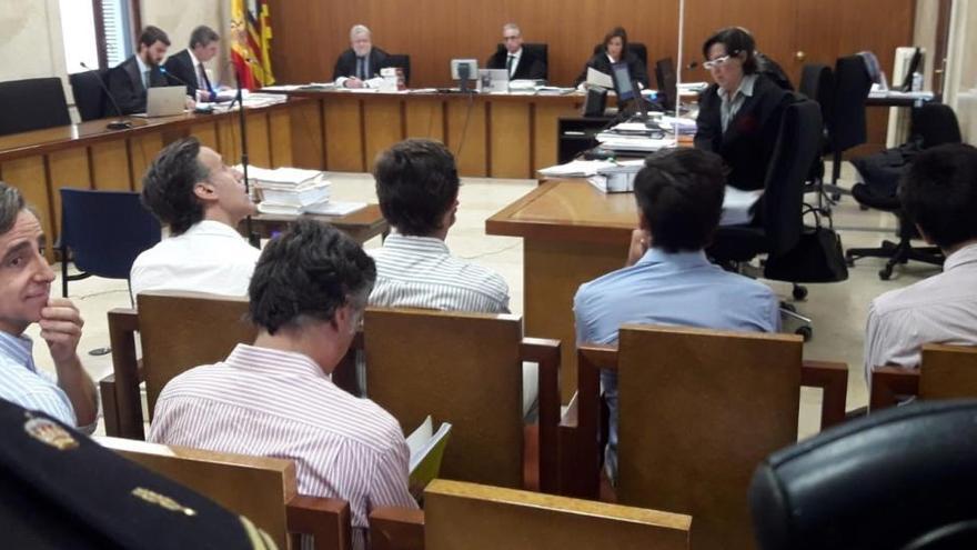 La juez concede la semilibertad a los seis hermanos Ruiz-Mateos bajo control telemático
