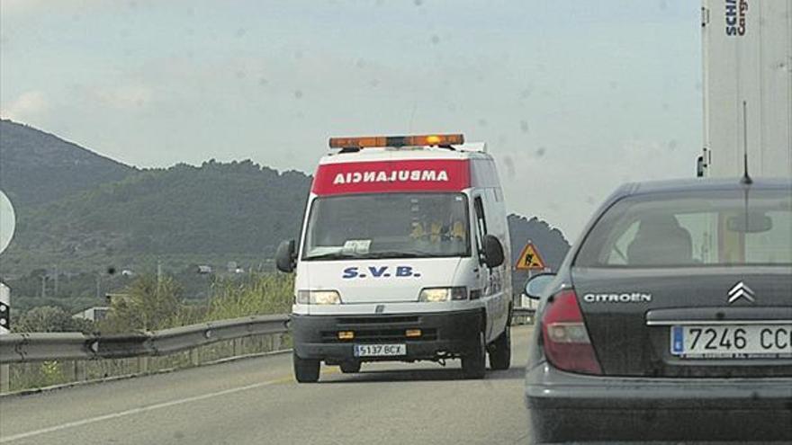 Tres heridos en un accidente de tráfico en Peñíscola