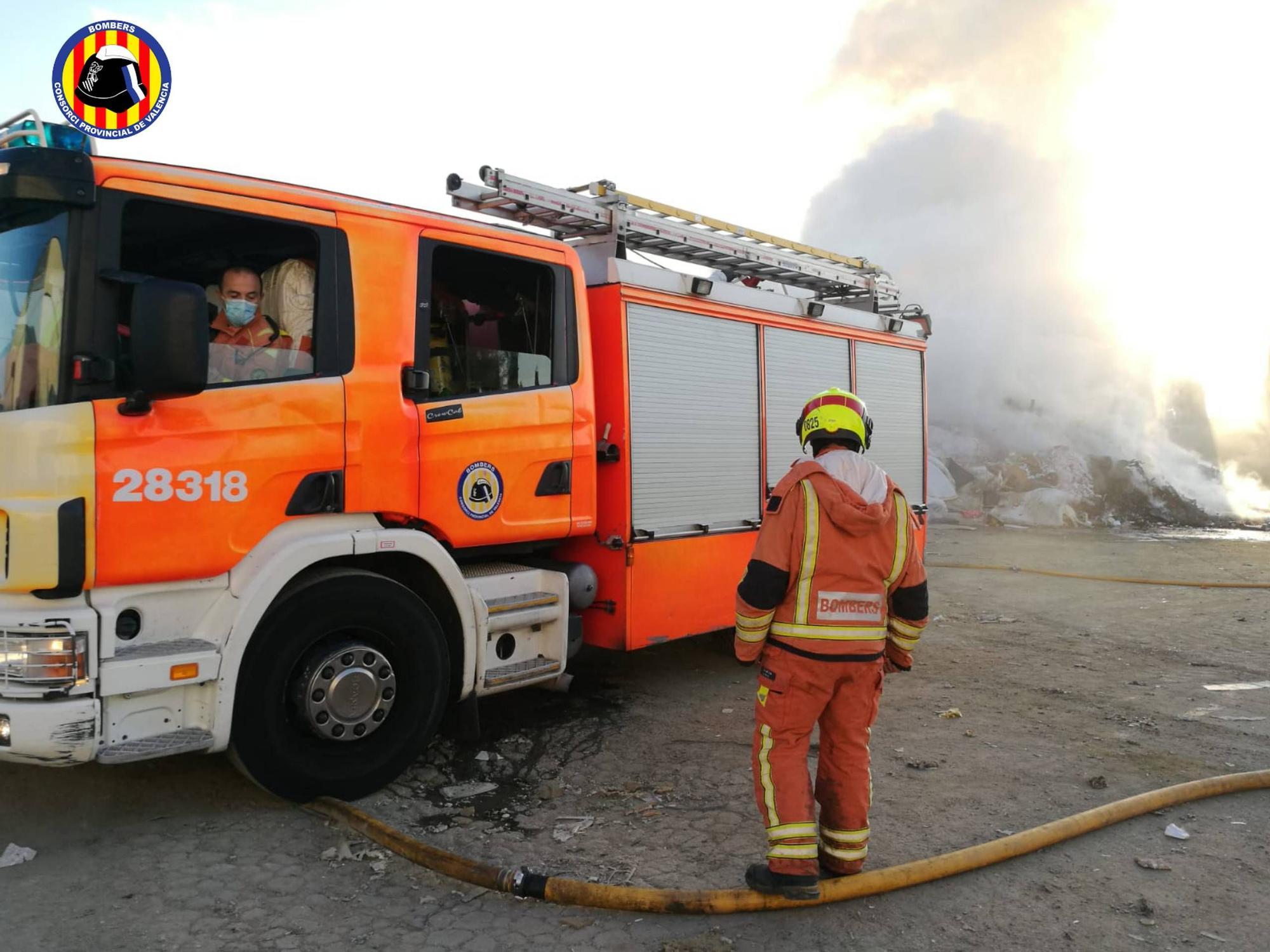 Incendio en una planta de residuos de Picassent