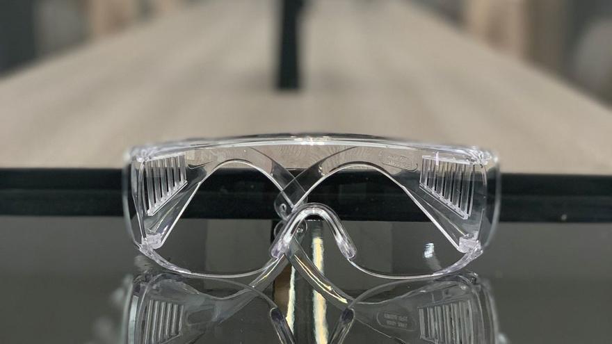 Multiópticas dona a La Palma 6.000 gafas de protección especial