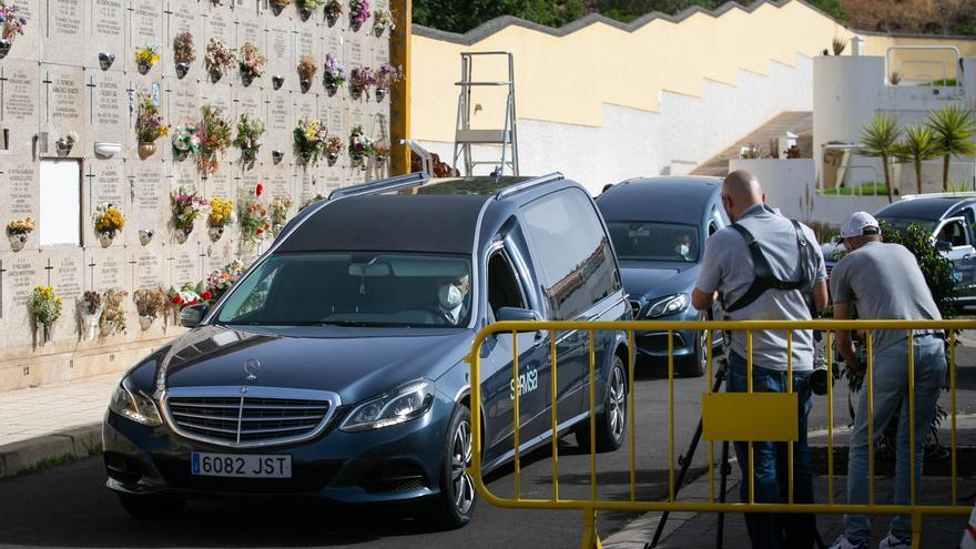 Los restos de 15 migrantes ya están «cerca de la tierra» en Santa Lastenia
