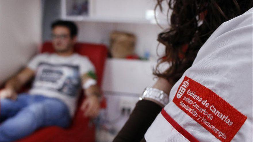 Animan a donar sangre a los canarios 'primerizos'