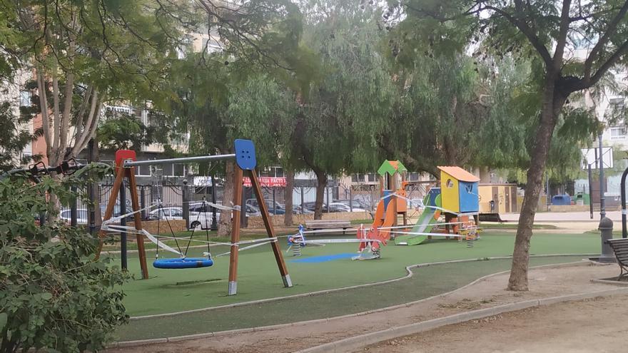 El PSOE insta al gobierno local de Orihuela a que reconsidere el mantener el cierre de los parques infantiles