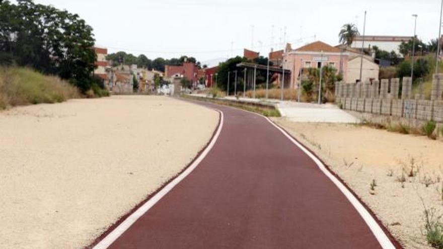 Manuel es el primer municipio que recibe de  ADIF la cesión de las antiguas vías