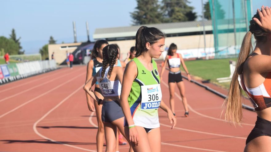 Celia Castro logra la quinta plaza en los 600 metros lisos del Campeonato de España sub 16