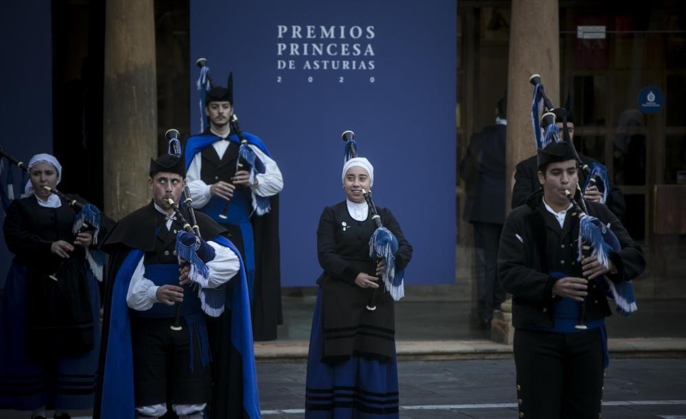 """La Banda de Gaitas """"Ciudad de Oviedo""""."""