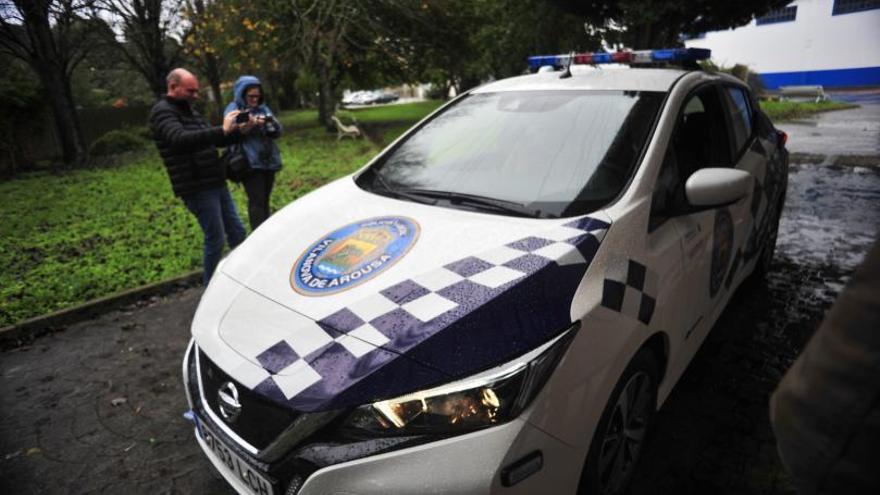Vilanova dota a la Policía Local y a Obras con tres nuevos vehículos eléctricos