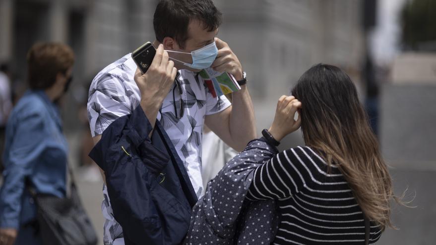 Sanidad notifica 17.384 nuevos casos de Covid-19 y España vuelve al riesgo extremo de contagio