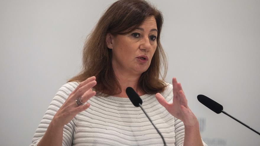 """Armengol defiende una """"desescalada lenta"""" ante la petición de los restauradores"""