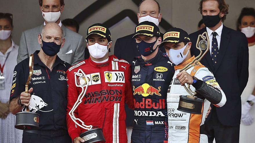 Max Verstappen toma el mando  y Carlos Sainz se doctora en Mónaco