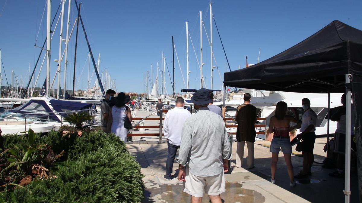 Una secuencia del rodaje de la serie en el puerto deportivo Marina de Dénia