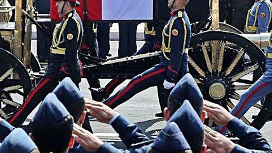 Funeral con honores para Mubarak