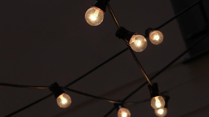 El precio de la luz repunta este lunes hasta los 156,75 euros/MWh