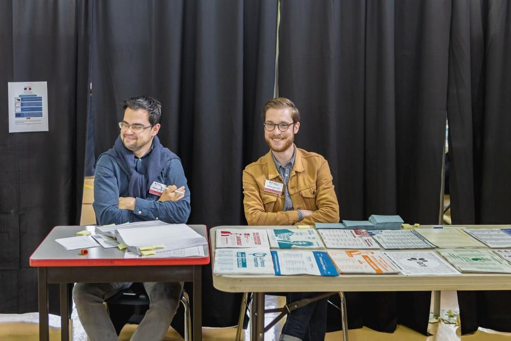 May 25, 2019 - Montreal, Canada: Polling station ...