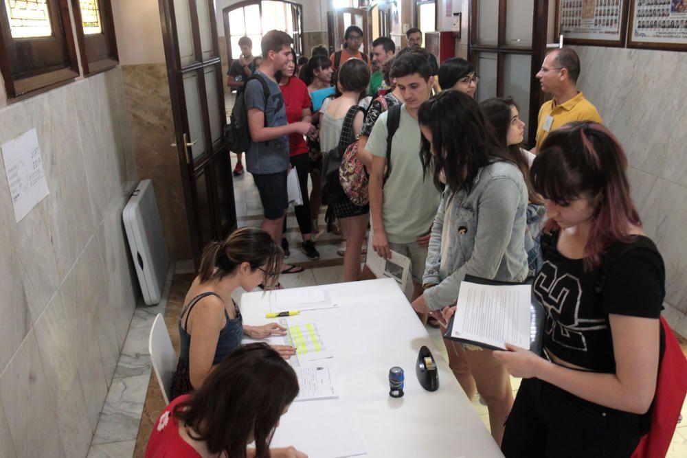 Examen oficial de japonés en València