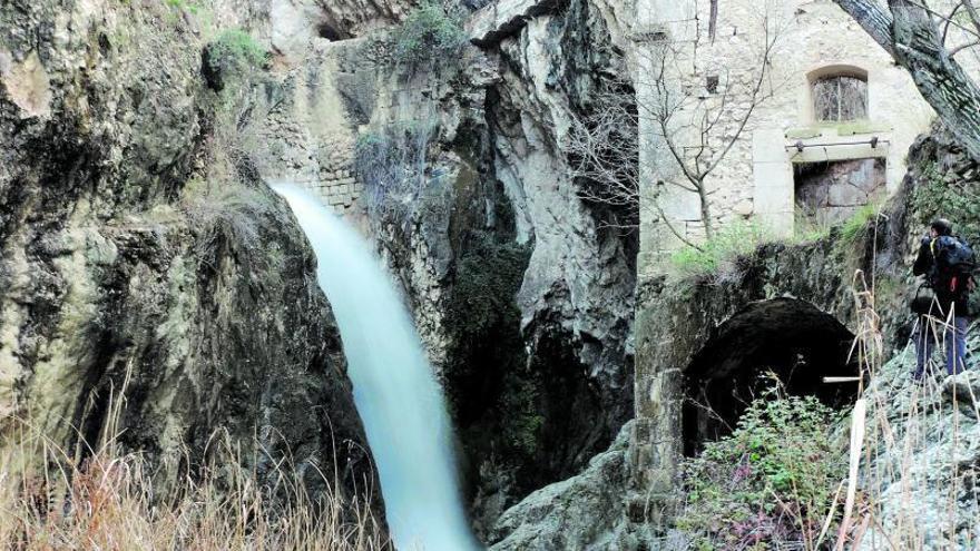 El Comtat: A pie de Benilloba a Millena