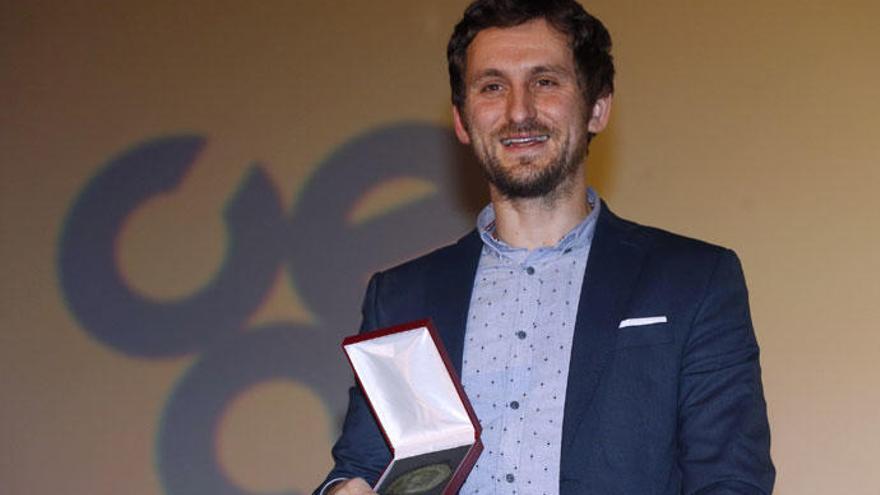 Raúl Arévalo recibe un premio más en su carrera a los Goya