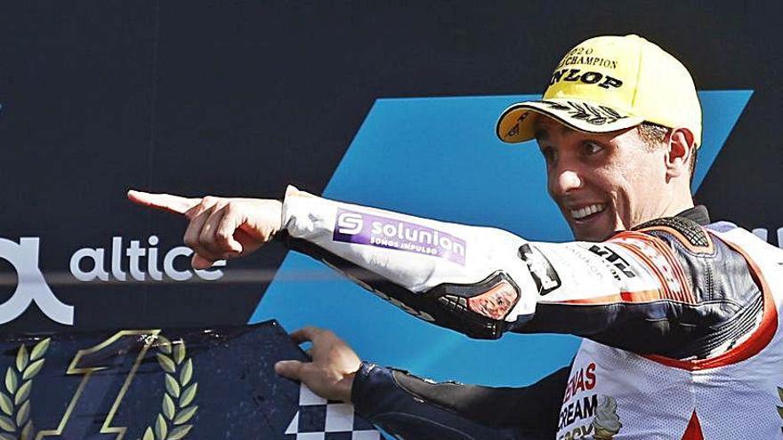 Albert Arenas guanya un agònic títol de campió del món de Moto3