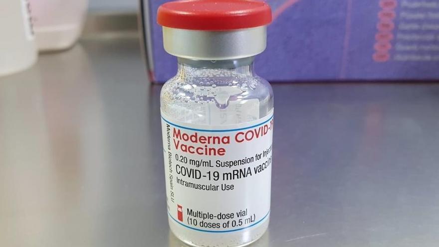 Una autoridad sanitaria alerta sobre la venta ilegal de la vacuna de Moderna