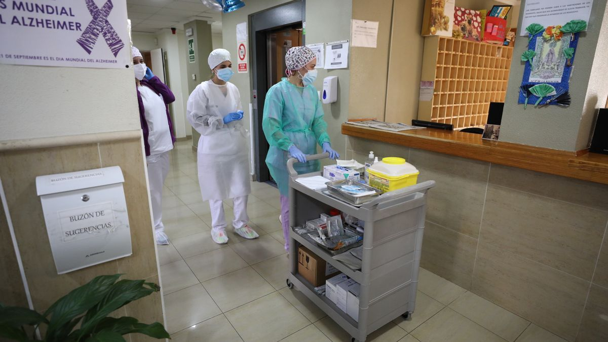 Vacunación en centro mayores de Elche