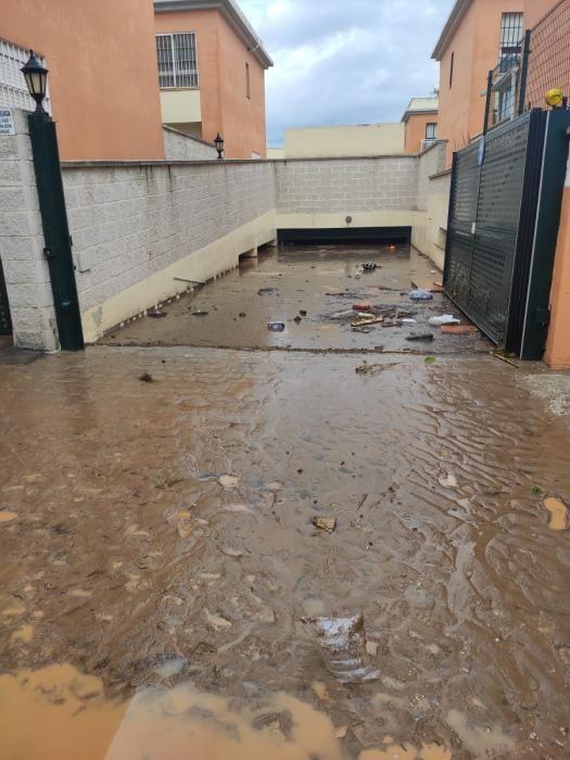 Daños en Campanillas tras el desbordamiento del arroyo Campanillas.