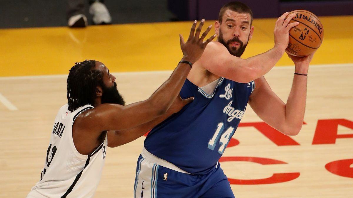 Los Nets presentan credenciales pasando por encima de los Lakers (98-109)
