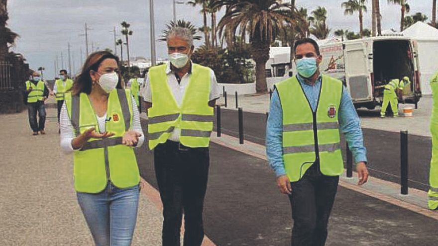 Turismo destina 357.142 euros a la mejora del pavimento del carril bici de Puerto del Carmen