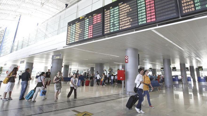 Programan un vuelo para que los turistas puedan salir de Fuerteventura
