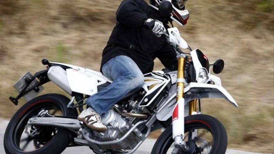 Un hombre lleva su moto a un taller y descubre que han circulado con ella a 222 km/h