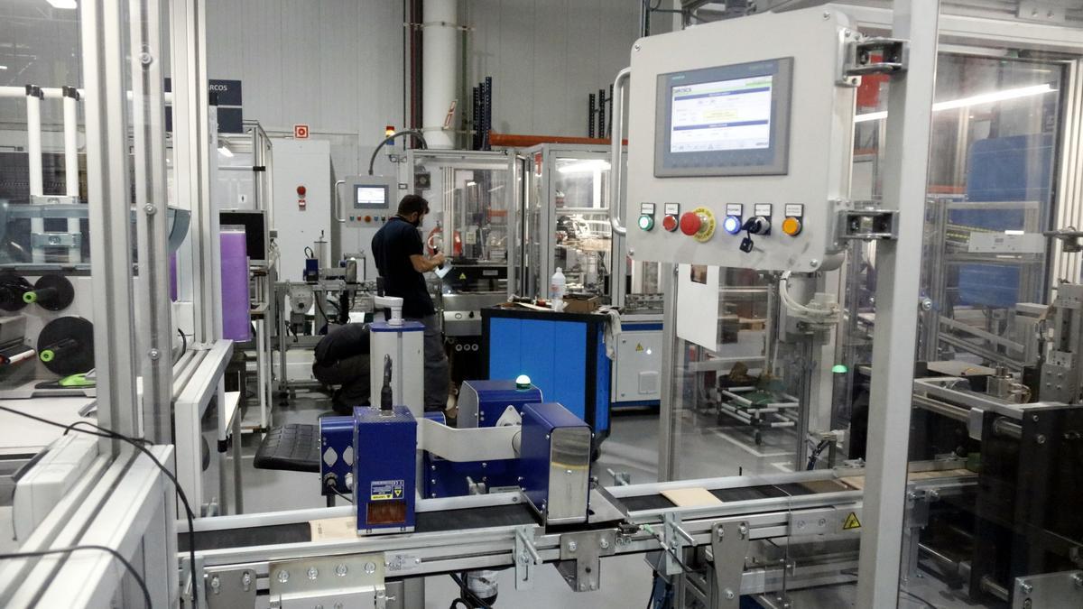 Pla general de l'interior de la fàbrica que Simon té a Olot, on ha invertit 15 milions d'euros.