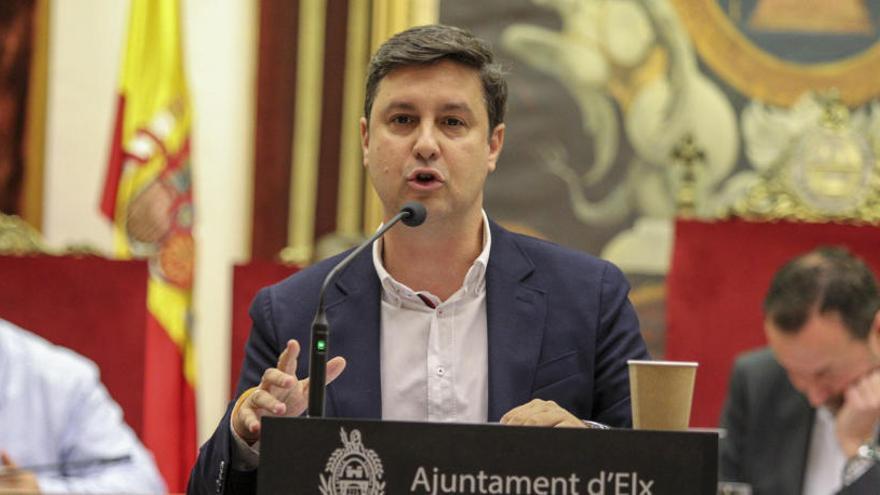 García-Ontiveros denuncia la falta de ventilación en colegios de Elche