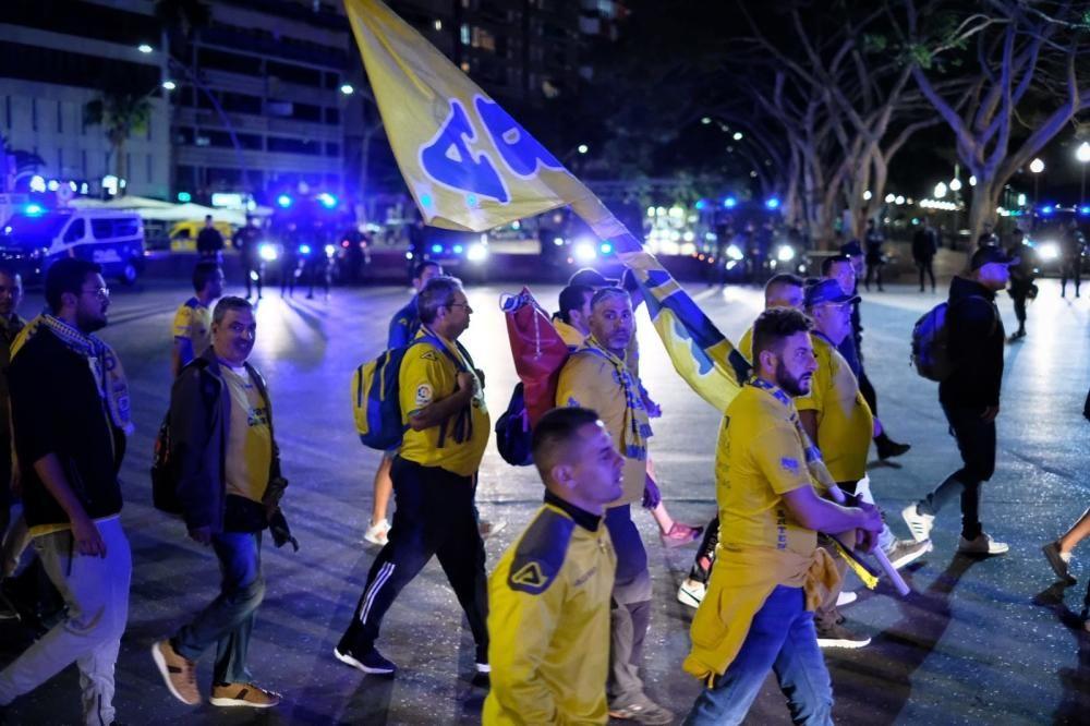 La afición de la UD Las Palmas tras la derrota
