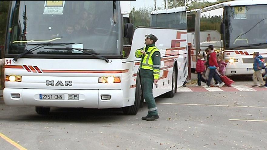 Tráfico realiza una campaña sobre seguridad de transporte escolar en Zamora