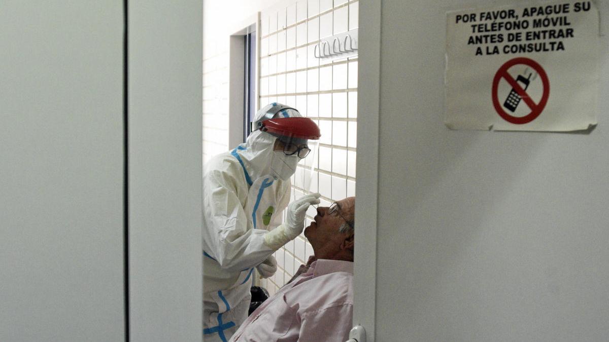 Un total de 23 centros de salud de la Región están en nivel rojo