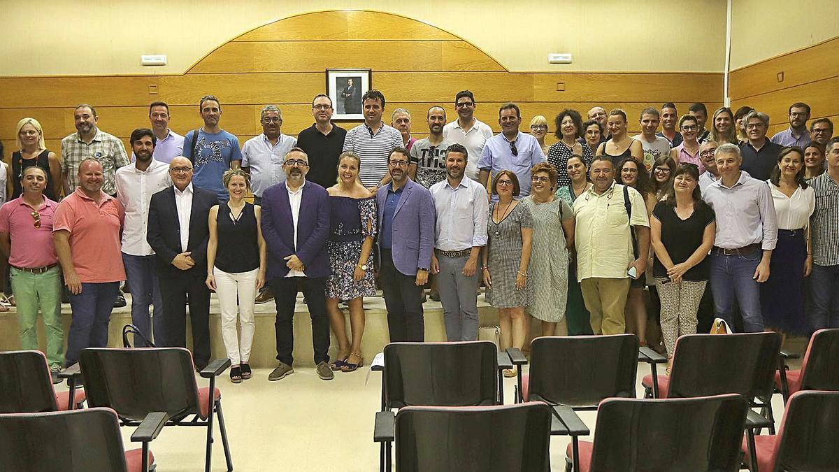 Alcaldes y representantes municipales de la Safor, en la última elección del presidente de la Mancomunitat de la Safor.                                                 | XIMO FERRI