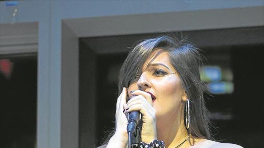 «No he cantado nunca flamenco, pero a flamenca me ganan pocos»