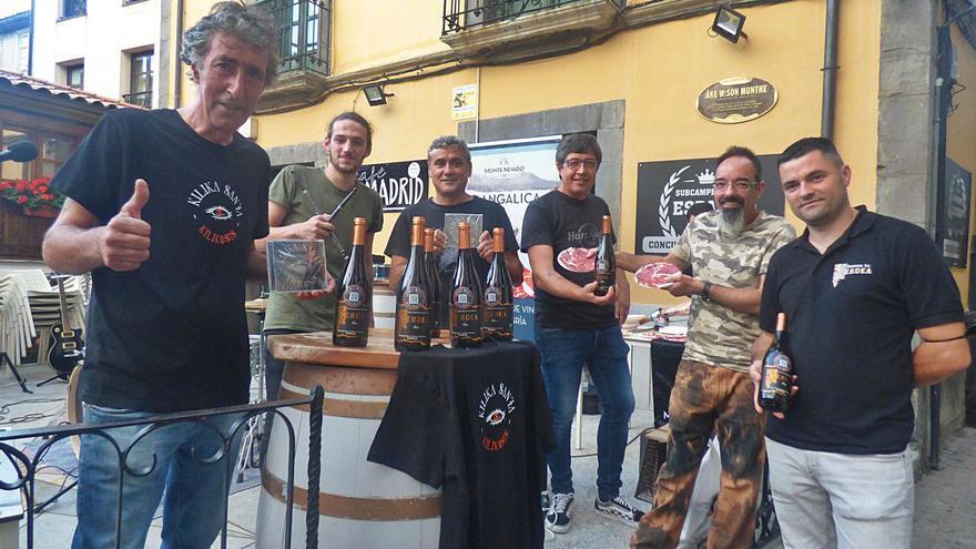 El rock y el vino maridan en Cangas